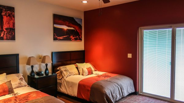 Twin Bedroom at longmeadow as a part of guest services
