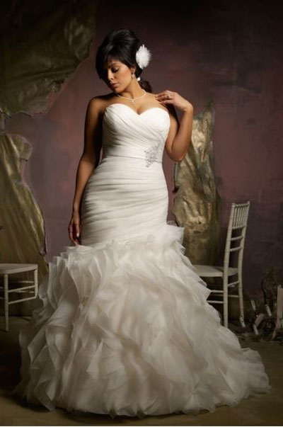 sexiest wedding dresses at longmeadow event center